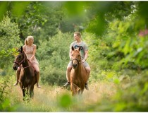 Engagement-photography-with-horses_0013