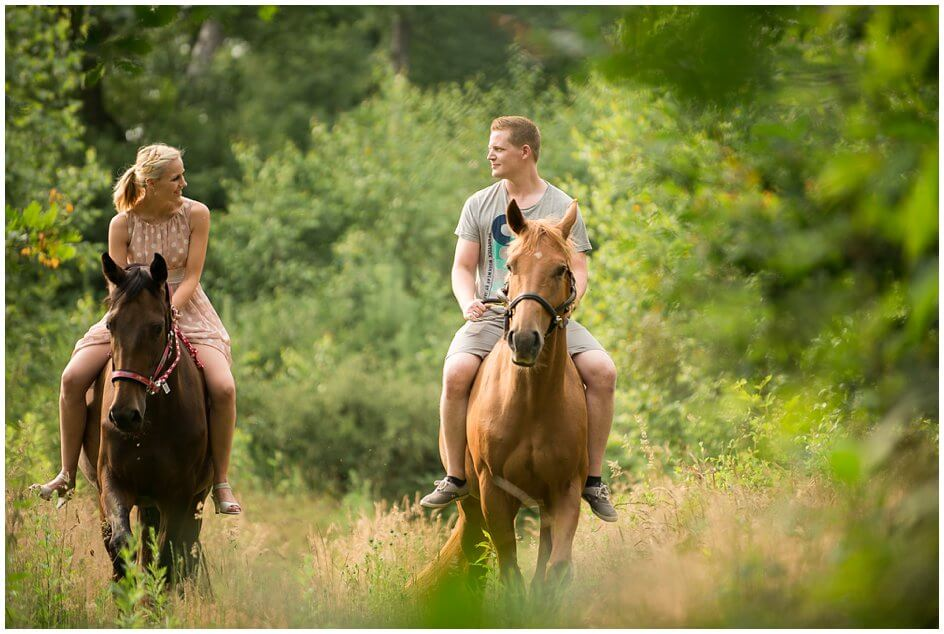 Engagement-photography-with-horses_0001