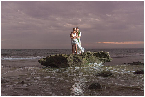 500w-Vero-Rolo-Hawaiian-Beach-Wedding